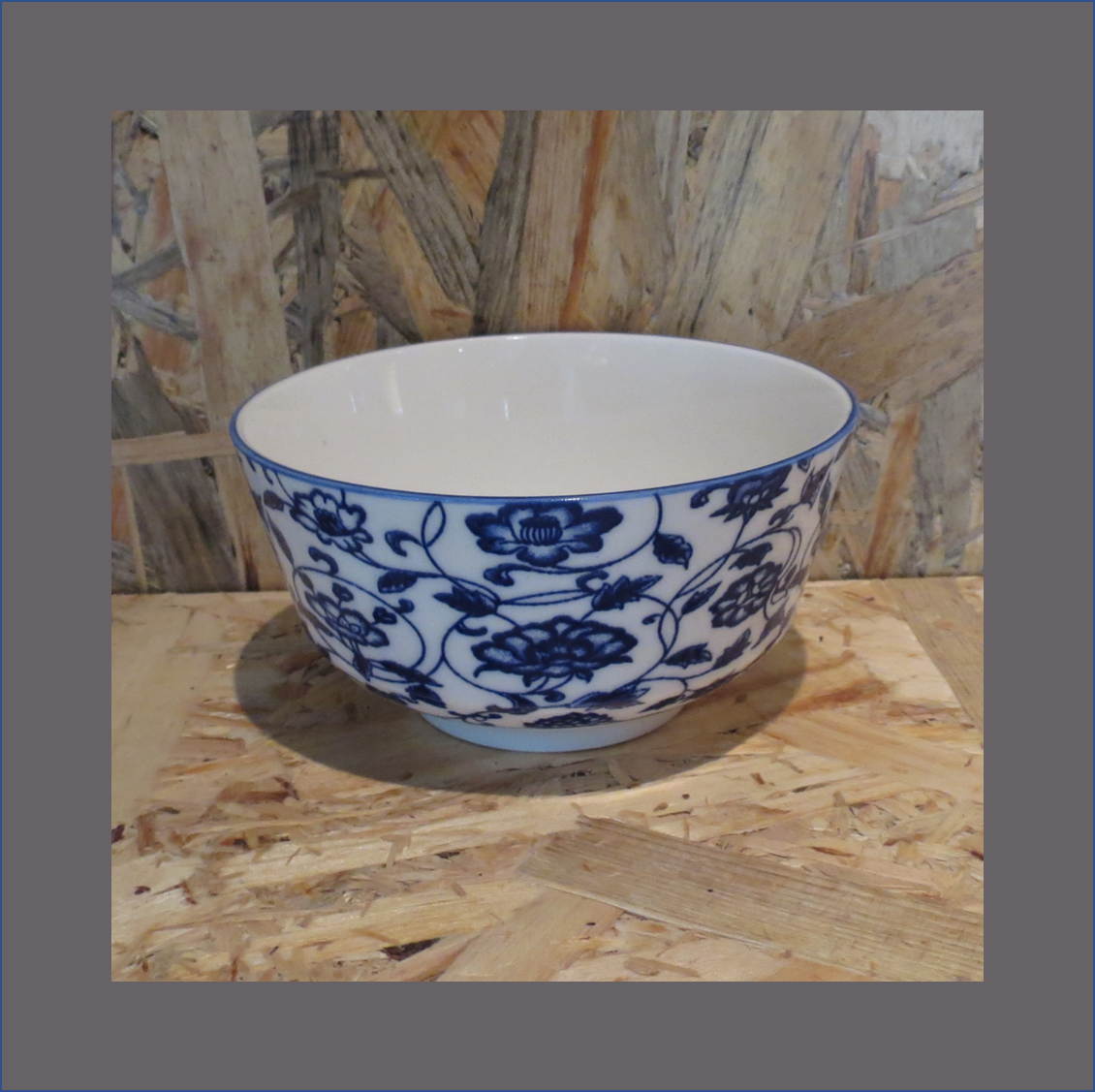 blue-china-dessert-bowl
