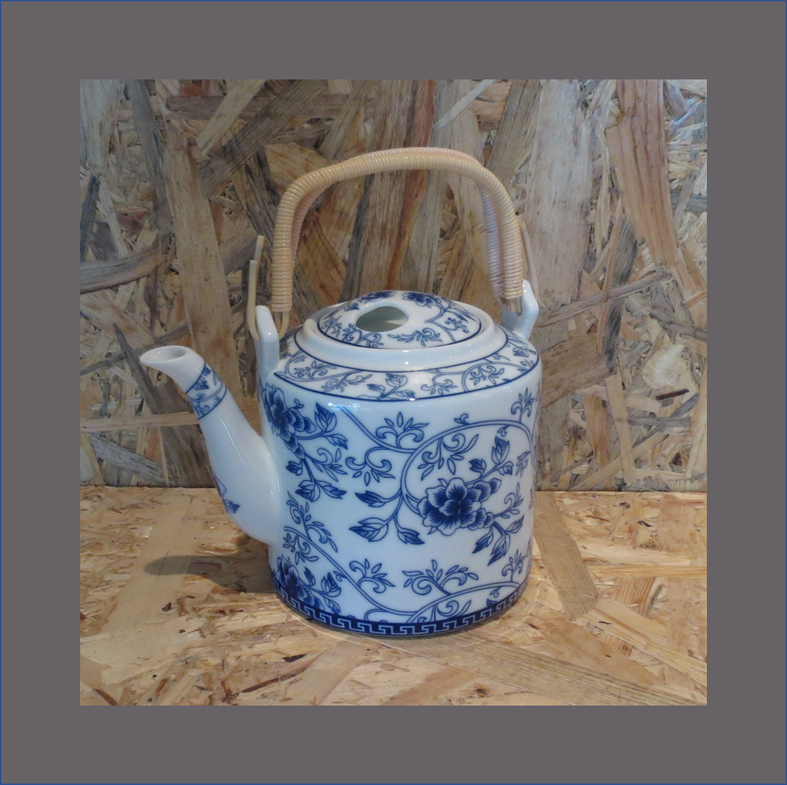 blue-china-tea-pot