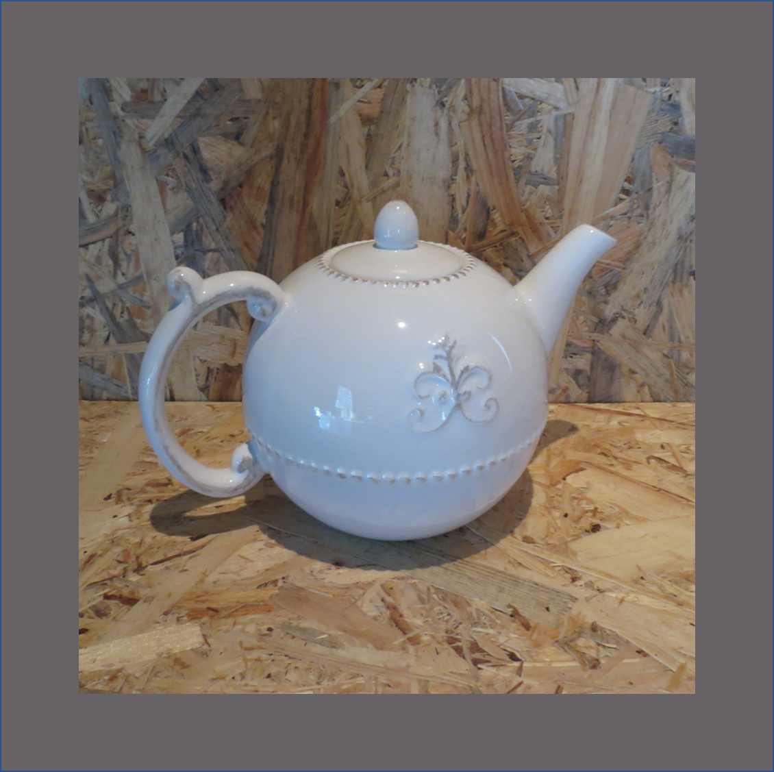 damask-tea-pot