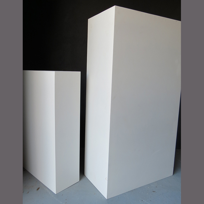 white-eco-cocktail-plinth