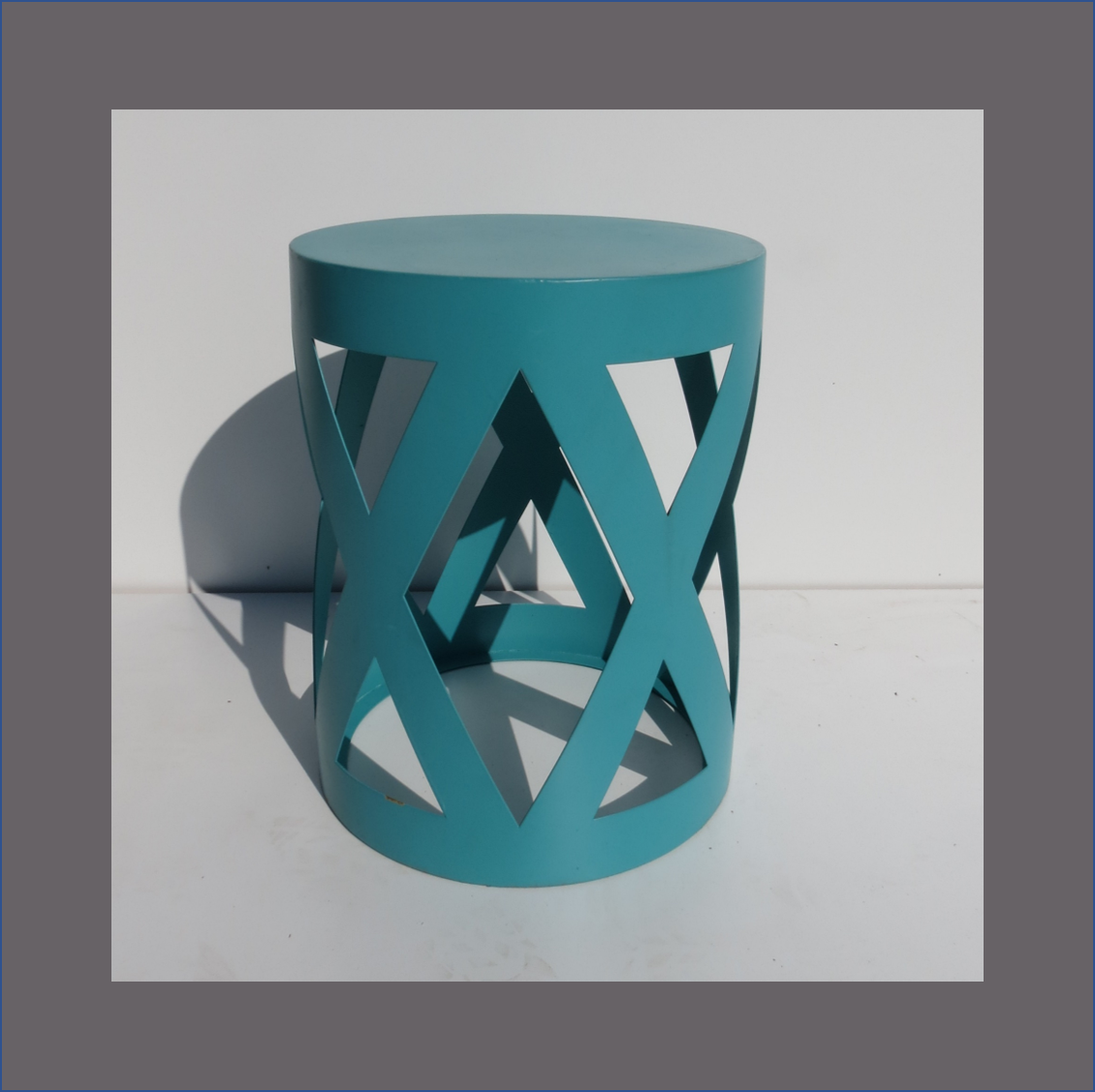 bistro-criss-cross-side-table