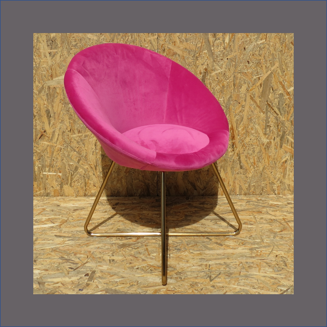 pink-velvet-occasional-chair