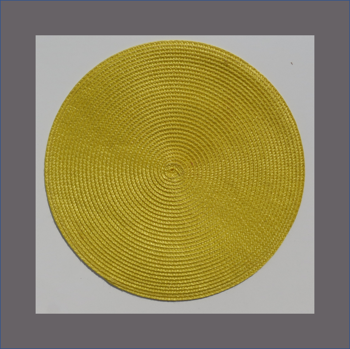 yellow-round-placemat