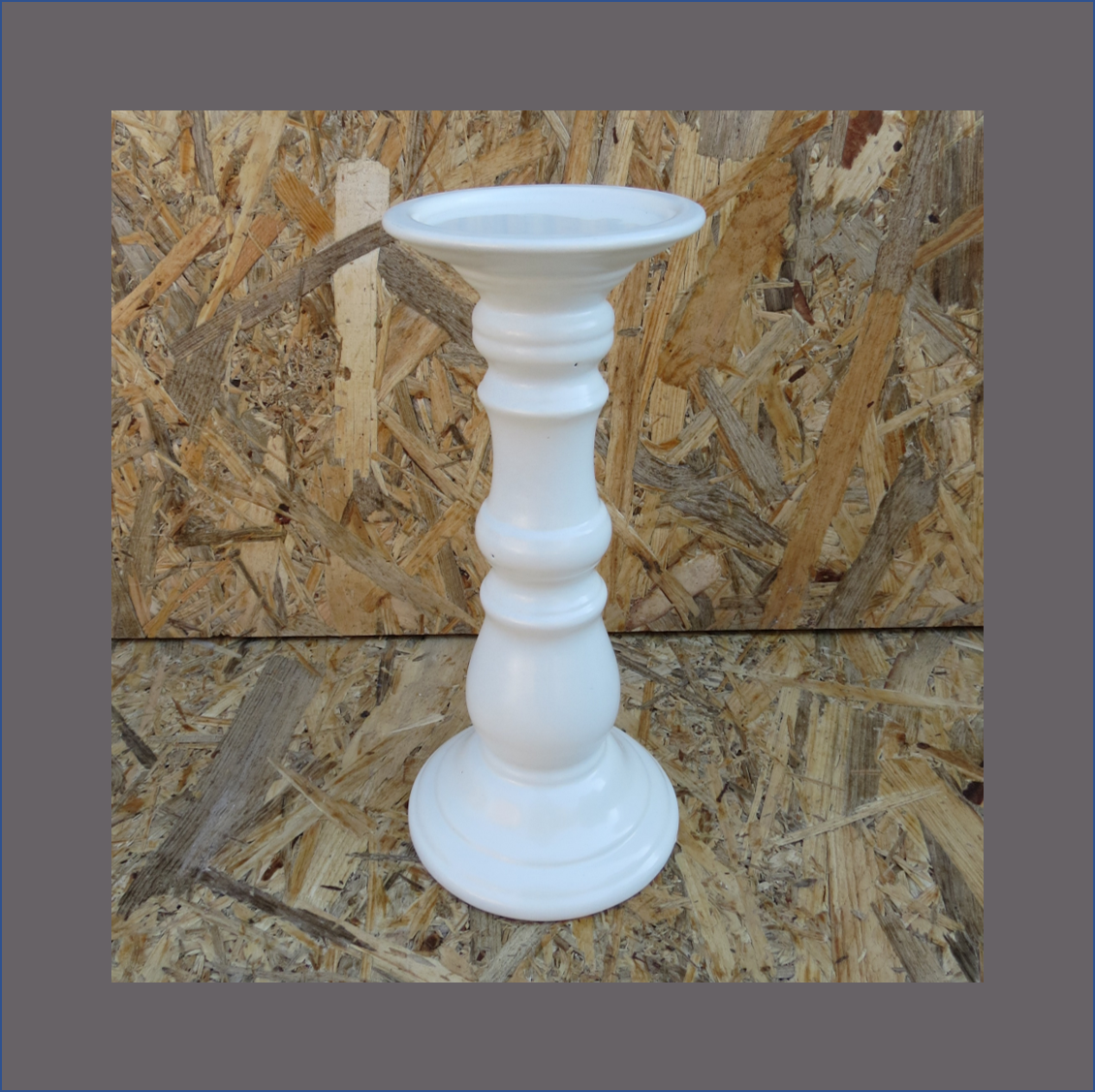 white-ceramic-candle-stand