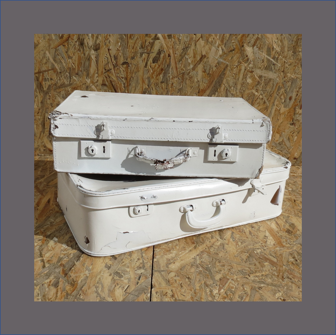 old-suitcases-various-sizes