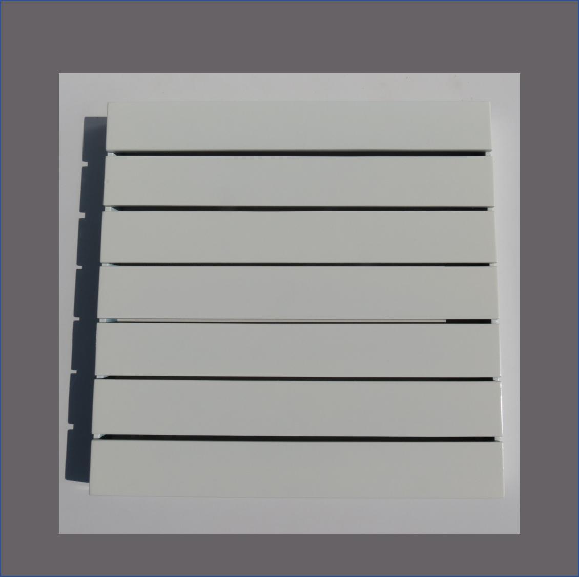 slatted-square-centre-piece-blackwhite