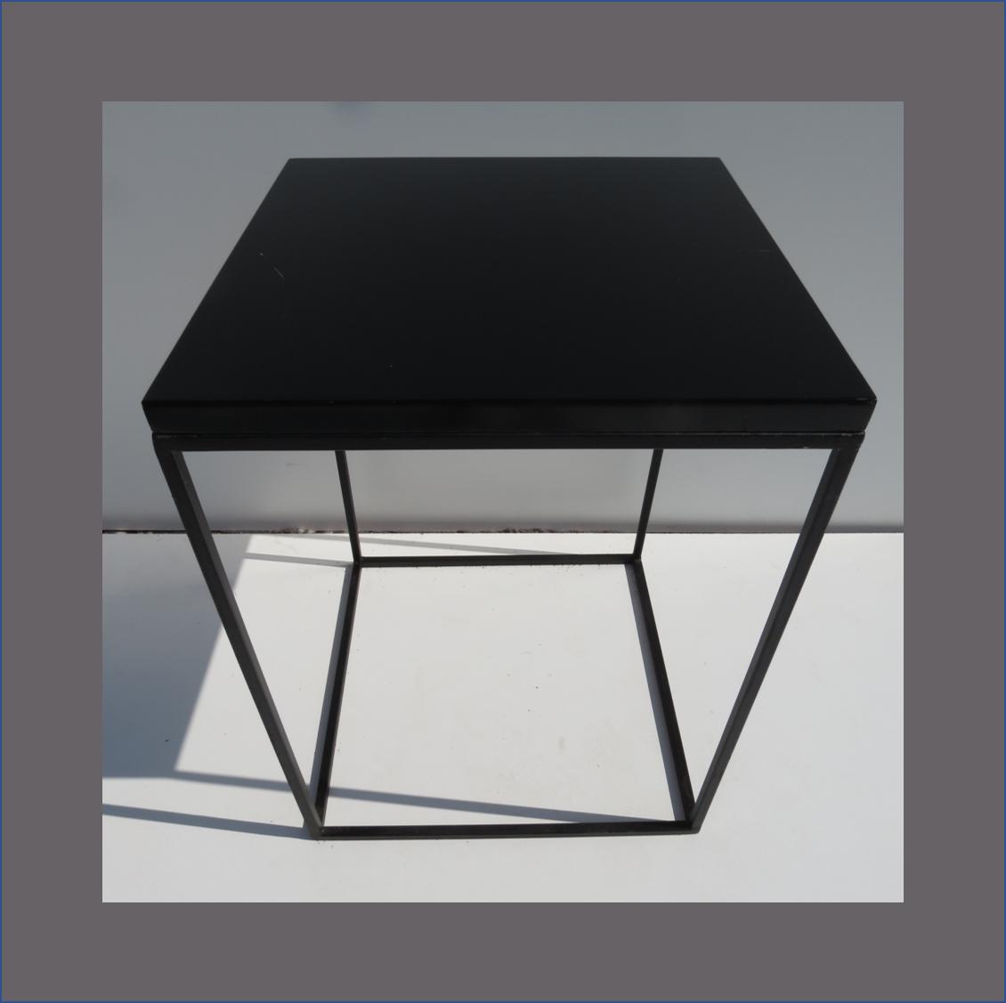 steel-frame-cafe-table