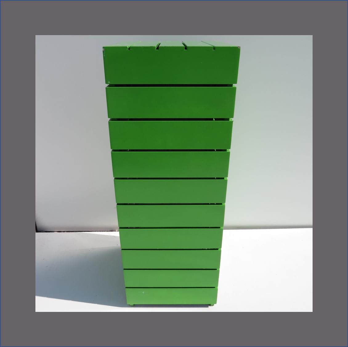 coloured-slatted-plinths