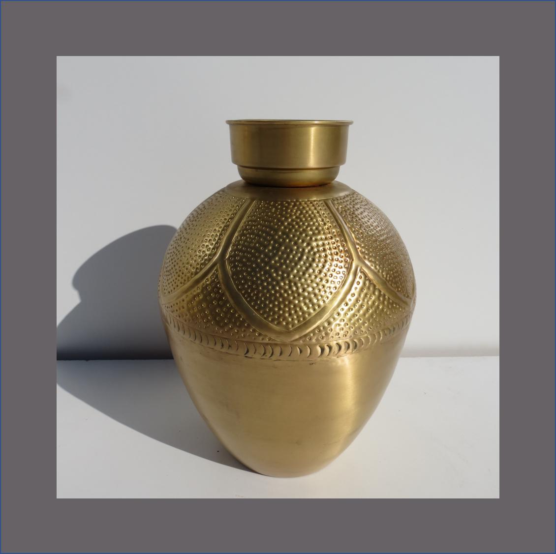 gold-pewter-pot