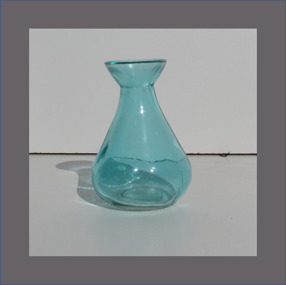 blue-tulip-vase-