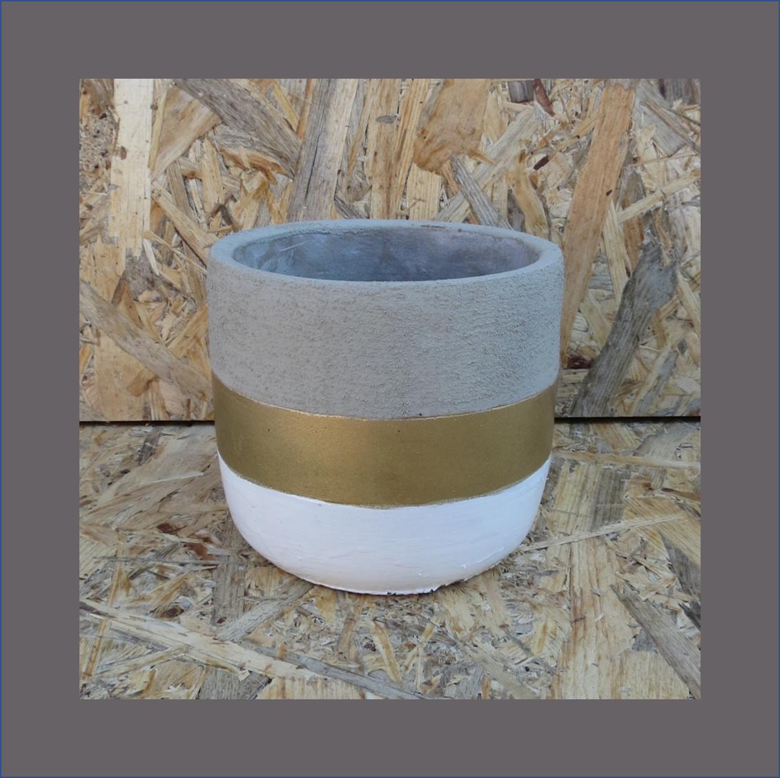 concrete-layered-vase