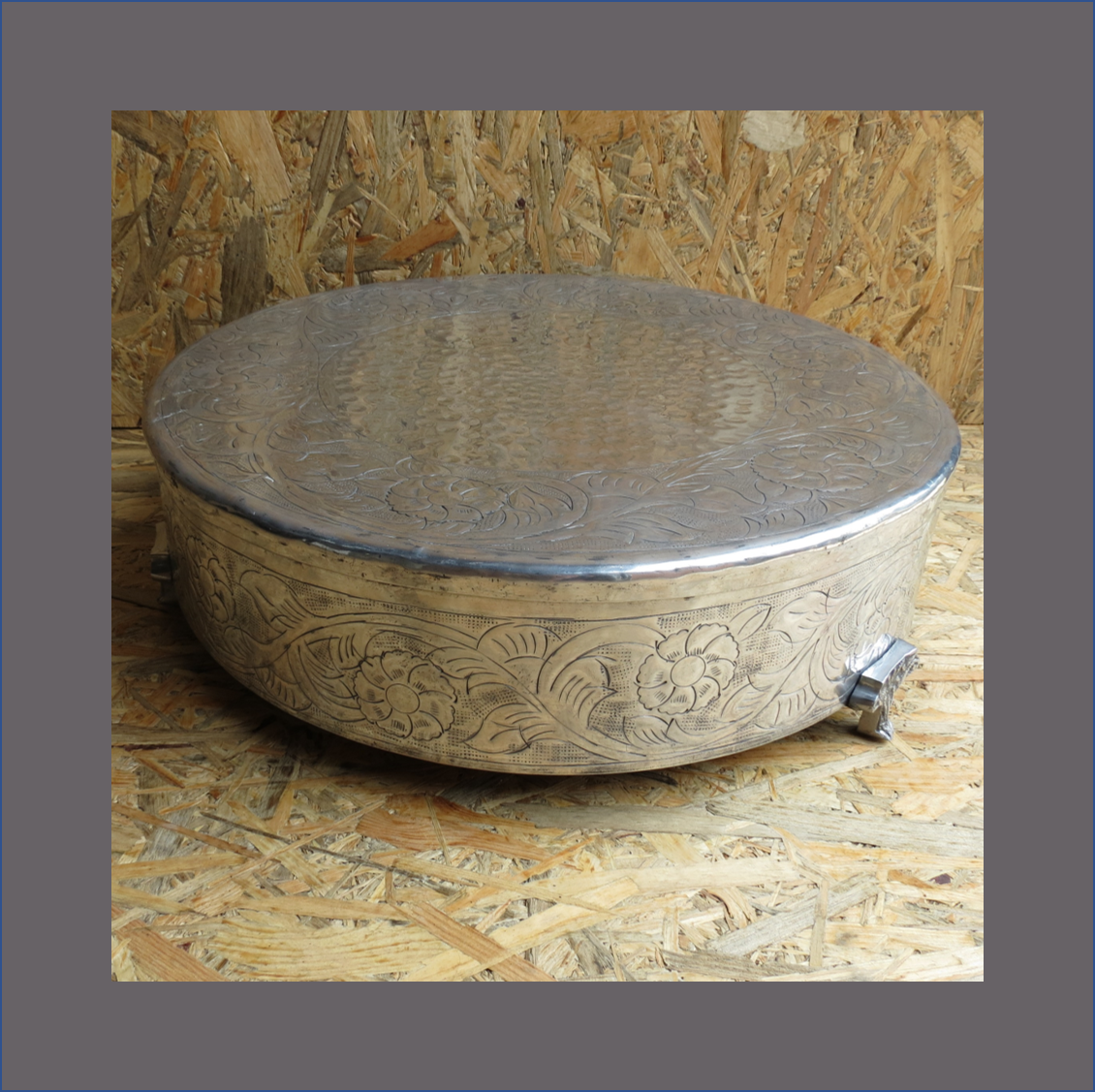 silver-pewter-cake-stand
